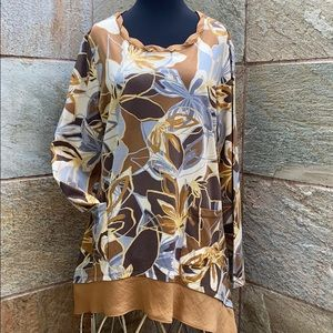 LOGO Asymmetrical Crimped Collar Floral Tunic
